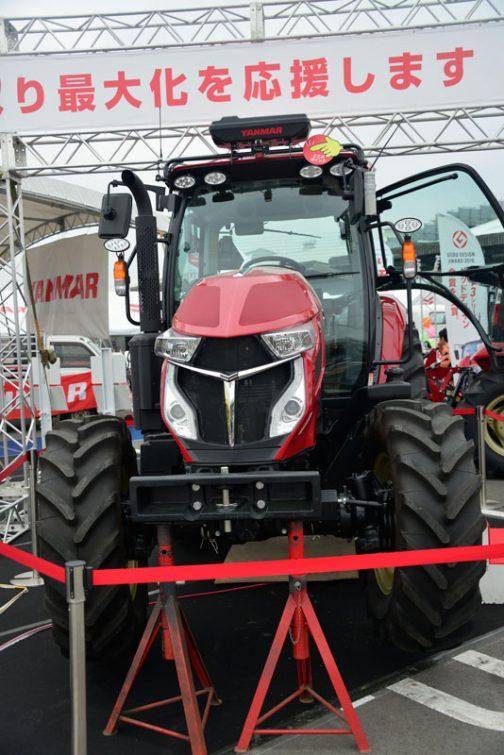今日は出かけなくてはならないので急いでいきます。昨日はヰセキのロボットトラクターでしたが、今日はヤンマーのロボットトラクター、YT5113A,YUQW5-Rです。
