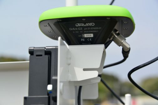 アメリカ製JAVAD GrAnt-G3というアンテナが使われています。