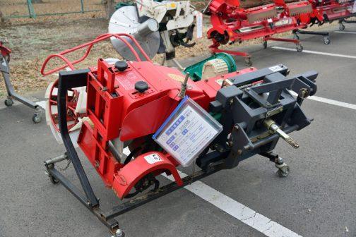 冨士トレーラー あぜぬり機 D135 ID-PM-S 中古税込価格 ¥510,000 備考 クボタBヒッチ 成約後、側面&上面の羽根を新品に交換します
