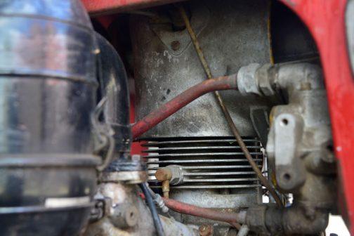 ヰセキTB-15 右端の何かのポンプ(オイル?)の形状がちがいますけど、良く似たエンジン。