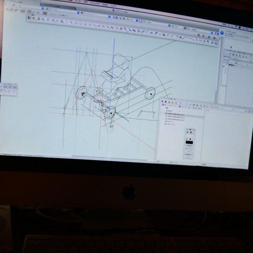 実際に作ってみて、それを元にPCで取り合いをシュミレーションしながら作っています。