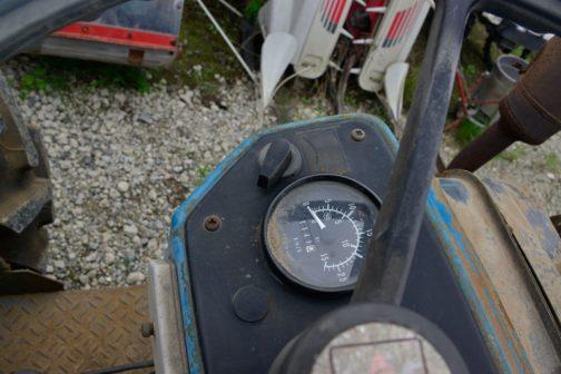 残念になってしまった外装とは逆に、エンジンは快調な音をたてていました。使用時間は1111時間とまだまだ浅めというのもあるのでしょう。