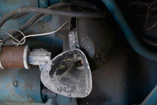 MANトラクターで気になったのはホーンです。これは日本のミツバ製。
