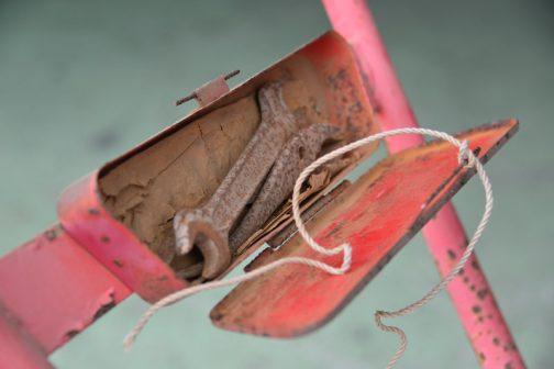 その工具箱を開けてみると・・・当時の工具が・・・タイムマシンみたいですね。