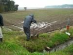 パイプラインの通水試験/配水操作の写真です