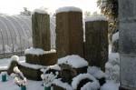 同じく2010/02/14雪の日、石塔の写真です