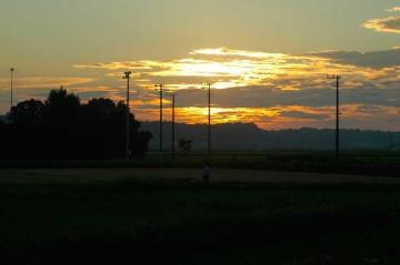 すばらしい夕日です。明日も天気になりそうです。