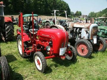 1958年製ジュニア108。単気筒14馬力です。