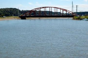 本日9/24日の涸沼川 すっかり水も引いて釣り人もちらほら見えます