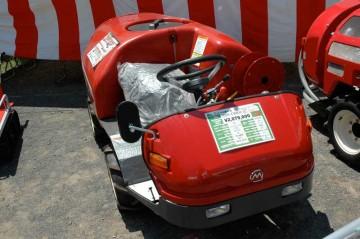 SSA-E500DX ステレオスプレーヤー これも薬剤散布の機械 TVでリンゴ農家が使っているのを見たことあります。 価格¥2,079,000