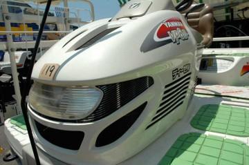 ヤンマー田植機 VP8Dのエンジンカウル部分 何だかロボットの頭かヘルメットみたいでカッコいいです