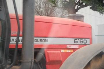さらにもう一枚・・・ Massey ferguson 6160
