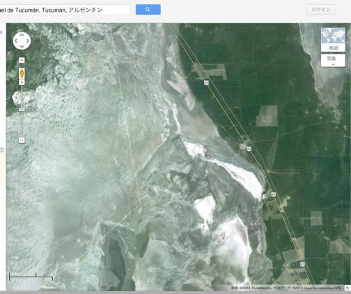グーグルマップで見るとサリナス・グランデスは塩湖なんでしょうか・・・白い低地が広がってます