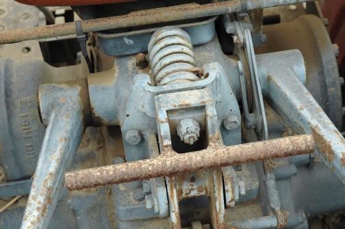 シバウラトラクターSD3000A ロータリーがなかったので、それを使うことは捨てて、色々溶接してしまったんですって!
