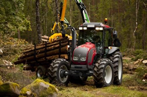 ヴァルトラ A93 HiTech 75/101馬力 林業でしょ?