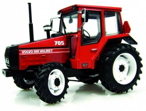 模型ですけど ボルボBMヴァルメットのロゴが貼ってあります 1982 - 1991まで作られたValmet 705です。4気筒4.4リッターディーゼル 85馬力