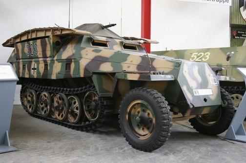 ドイツ ハノマーク装甲兵員輸送車D型 Sd.Kfz-251 Hanomag