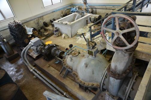 水戸市大場町島地区排水機場にある、もう使用されていない1964年製クボタ4気筒ディーゼルエンジン