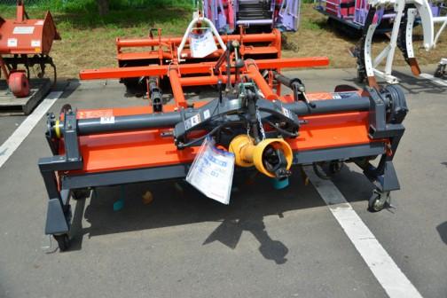 クボタ ロータリ RM185K-T 購入初年度H21年 補助ユニット付き オート装置 クボタ純正ヒッチKL415Hで使用 中古価格¥324,000