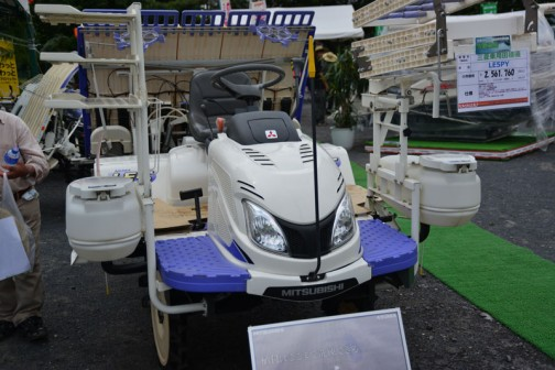 三菱乗用田植機 LE5PY 5条植え ガソリン14馬力 標準:HST+副変速2段 価格¥2,561,760