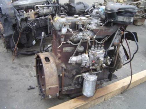ネットで調べてみると部品とか、中古エンジンとかまだ売ってます。もちろん、WD50に使われているものとまったく同じではないのでしょうけど・・・ディーゼルエンジンって製品の息が長いんだな。