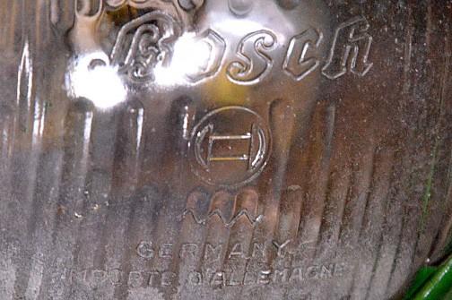 拡大すると・・・すてきでしょう? BOSCHの大きな文字・・・初めて見る形です。英語とフランス語でドイツ製を主張しています。
