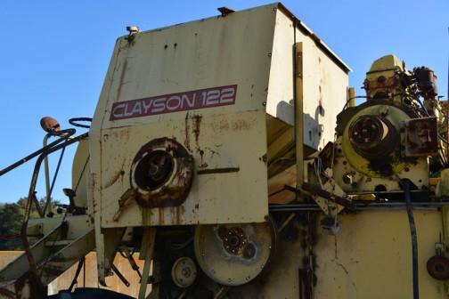 CLAYSON M122 コンバイン 部品取り用に置いてあるのだと思うのですが、ここで静かに後輩の役に立つのを待っています。