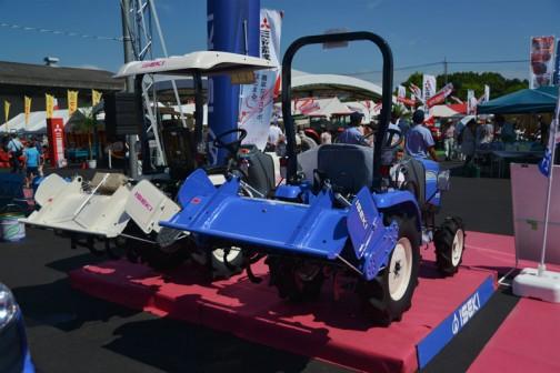 ISEKI TRACTOR イセキトラクター Z15UA1 価格¥1,198,800  ISEKI TRACTOR イセキトラクター Z15UJWA1S 価格¥1,372,680
