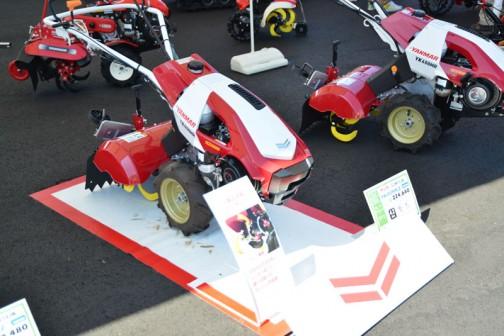 その一軸正逆転ロータリーの「Z」。ヤンマー ミニ耕耘機 YK450MR,Z  1軸正逆転 価格¥224,640 4.2馬力 50cm耕幅 4パターンうね立て