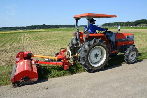 スライドモアによる草刈り