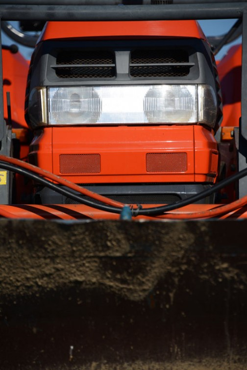 GL430はクボタD1503-TIエンジン(たぶん3気筒)水冷4サイクルディーゼル 43馬力/2700rpm