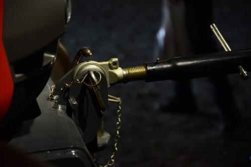 同じものを反対側から・・・ワイヤリングというかチェーンリングというのか、外れ防止がたくさんあります。