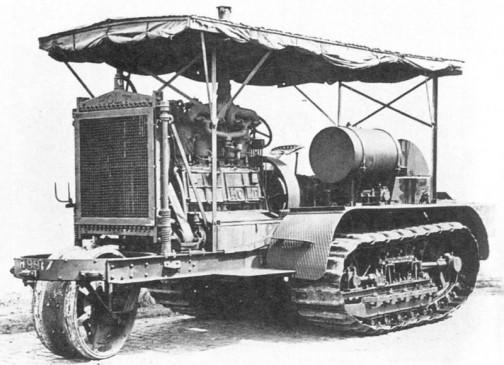ホルト・マニュファクチャリング・カンパニーはこんなトラクターを第一次大戦時にはもう作っていたそうです。