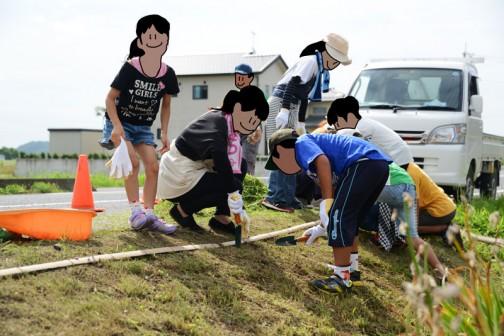 子供達とお母さんで植えてもらいます。