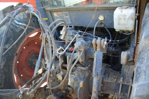 プレスリリースが2011年に出てますから、2011年発売でしょうかね・・・形式名、M108W エンジンはクボタV3800 4気筒3.8リッター  出力108馬力 希望小売価格¥6,594,000〜だそうです。