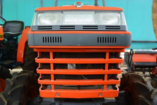 クボタトラクターL2500 どこかで見たことのあるオーソドックスな顔。