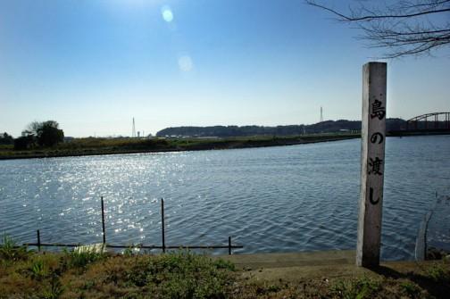 島の渡し跡。たいした距離じゃないけど、船を持っていないと向こうへいくには超不便だなあ。