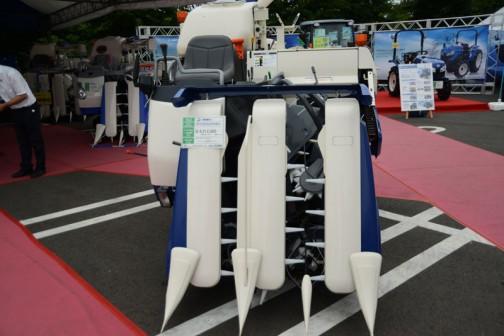 こちらがネイビーのイセキコンバイン フロンティアHFCシリーズ HFC325GZKHWC 価格¥4,212,000 3条刈り 25馬力