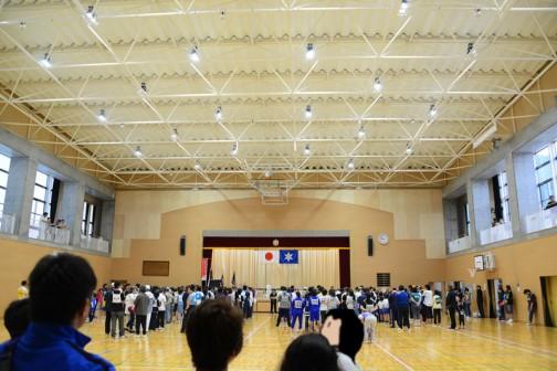 2016年の市民運動会は新しくできた大場小の体育館でおこなわれました。(まだ竣工式前だそうです)