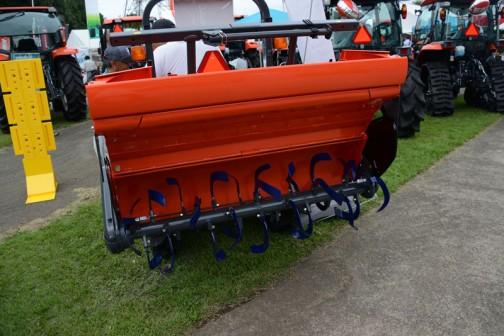 クボタニューグランフォース FT220BMAQF4 クボタ D1503-M-E3-KT11 水冷4サイクル3気筒立形ディーゼル 22馬力/2500rpm 価格¥2,377,080