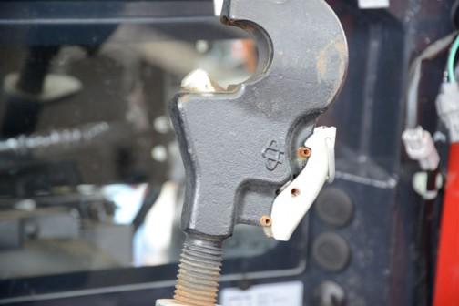 ヤンマートラクター YT5シリーズ? YT5113 YT5113,YUQR8 価格¥10,805,400 HMT無段変速オートマ感覚 カラーモニタ ノークラッチブレーキストップ 吊り下げオート制御 サブコン2連 SAスマートアシスト e-control E/G回転&車速自動制御 倍速+オートブレーキ チョイ上げチョイ下げ A/Bモード自動切替 プレミアム点検パック  全長4285mm 全幅1820mm 全高2750mm 最低地上高495mm 機体重量3640kg エンジン形式4TNV94CHT 4気筒直噴エコディーゼル 3.053ℓ 113PS/2500rpm 仕様燃料ディーゼル軽油 燃料タンク容量 162ℓ 油圧揚力3800kgf 前タイヤサイズ280/85R24Z 後タイヤサイズ420/85R34Z 大型特殊免許要