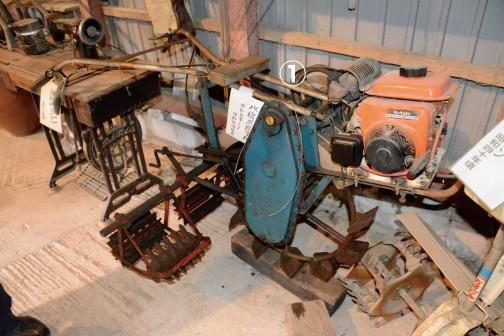 ①水稲用除草機 昭和35〜昭和45年頃 エンジンは交換してあるみたいです。