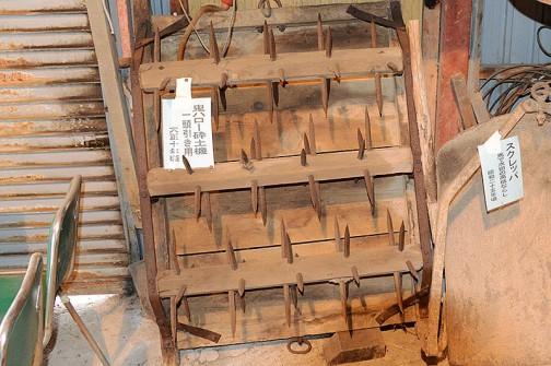 つまり美原農機具生活用具歴史館で見たようなこんな器具、機械ということでしょうか・・・