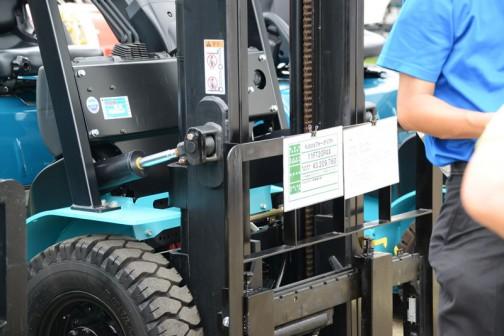 お隣は新品のクボタフォークリフト11FT20PAX 価格¥3,209,760 先ほどの中古フォークリフトの隣にあったQuaPro20と書いてあるものです。