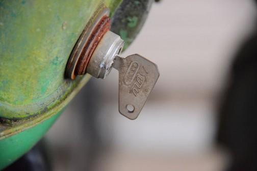 鍵にはISUZUと書かれています。いすゞ???