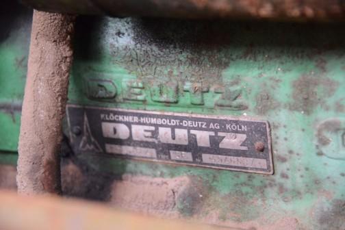Klöckner-Humboldt-Deutz(クロークナー-フンボルト-ドゥーツ?)と書いてあります。そしてDEUTZという会社の名前は、ケルンの下町の地区の名前から付けられているみたいです。