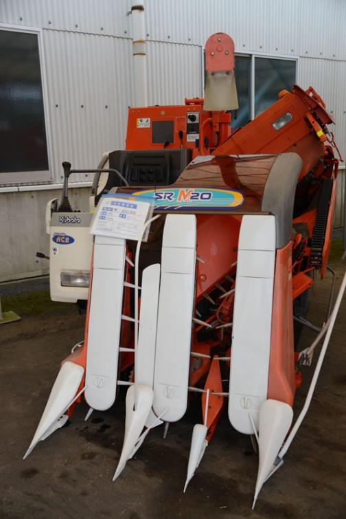 クボタコンバイン SR-M20 中古価格¥650,000 使用時間:450時間 備考:成約後転輪調整