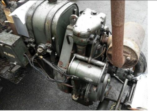 めちゃめちゃカッコイイエンジン。ヘッドカバーが丸くて重量感があってすごくいい感じ。
