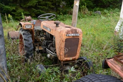 クボタL13Gは1962年〜1965年あたり(不確か)の生まれで、国産としてはL15Rとともに初期の稲作用トラクターだったみたいです。