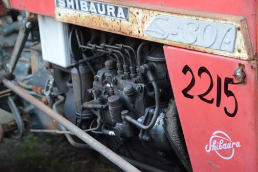 エンジンは4気筒です。